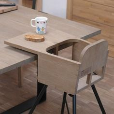 Wooden highchair. LYTSE by Pilat & Pilat.