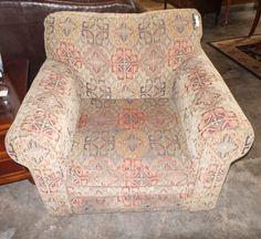 Upholstered Fabric Club Chair - Bassett - Sku: AC9CQ5 - $235
