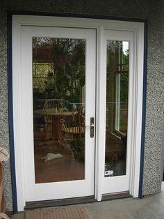 Vented sidelight patio doors design features neuma doors for Single french door for bedroom