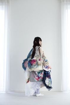 yumiko arimotoembroidery is absolutely breathtaking.  tactile, subtle, delicate, soft, strong,fragile  via upon a fold