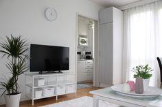 Ikea Vittsjo TV Stand