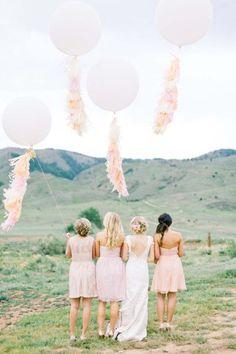 Sehen Sie hier süße Deko-Ideen mit Luftballons für Ihre Sommerhochzeit! Die Leichtigkeit der Liebe als optische Hingucker Image: 13
