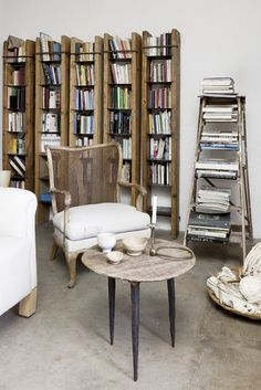 Natural wood and books go together. Coveting...  AH18