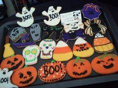 #happyhalloween 2doz de galletas enviadas por correo el jueves. #boo #mycookiecreations #halloween #halloweencookies #cookies