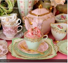 Pink and green tea