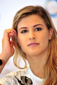 Eugenie Bouchard – BNP Paribas WTA Finals 2014 Singapore Press Conference, Eugenie Bouchard Style, Outfits and Clothes. Canadian Tennis Player, Tennis Players Female, Most Beautiful Faces, Beautiful Women, Gorgeous Girl, Eugene Bouchard, Bnp, Sports Celebrities, Tennis Stars