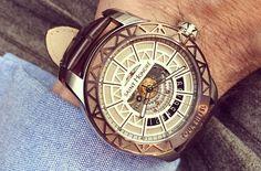 Tour Eiffel by Saint Honoré in Bale Tour Eiffel, Gq, Gold Watch, Dress To Impress, Saints, Tictac, Watches, Luxury, Scrap