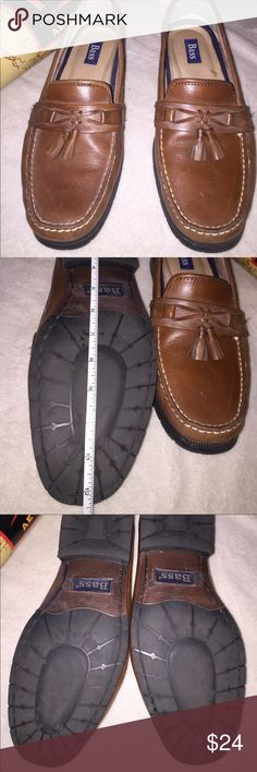 G.H. Bass Men's 11.5w Loafers shoes euc! G.H. Bass Men's Bass Loafers size 11.5 wide. Measures past twelve inches past the toe. Extra pads at front of toe! Bass Shoes Flats & Loafers