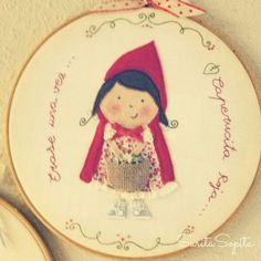 Caperucita Roja :) Embroidery Hoop Art, Decorative Plates, Projects To Try, School, Home Decor, Red Riding Hood, Red, Fabrics, Needlepoint