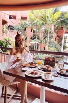 Breakfast at Tenerife: http://www.ohhcouture.com/2017/03/monday-update-46/ #leoniehanne #ohhcouture