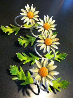 Metal Toleware Italian Floral Daisy Spring Flower Napkin Holders Set 4 Vintage #tole #toleware #italian