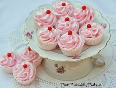 Pink Piccadilly Pastries: Pretty Pink Meringues for Valentine's Day