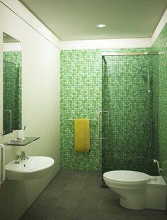Cool mosaic Green Bathroom wall Design witn Simple Decoration Ideas and corner glass shower room simple bathtub tile designs in modern bathroom Green Modern Bathrooms, Green Bathroom Decor, Green Bathrooms Designs, Beautiful Bathrooms, Latest Bathroom Designs, Simple Bathroom Designs, Modern Bathroom Design, Bathroom Interior Design, Bath Design