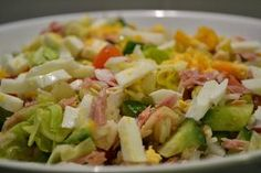 Salat s tuniakom Cobb Salad, Salad Recipes, Potato Salad, Cabbage, Food And Drink, Low Carb, Party, Cooking Recipes, Baking