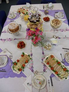 Constance Wallace is an Events and Catering company, who also provide china hire. This party here was at a school for 7 people, for a leaving party.
