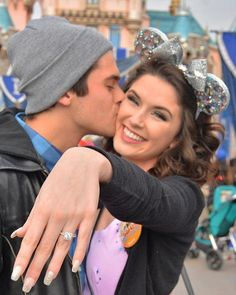 disney wedding Wedding bells are ringing for this couple who recently had a magical engagement at Disneyland Disney World Proposal, Disneyland Proposal, Disney Engagement Pictures, Disneyland Engagement Photos, Disney Engagement Rings, Beach Engagement, Foto Glamour, Wedding Proposals, Wedding Vows