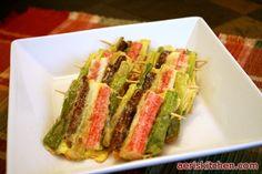 Beef SanJeok (Korean pan fried skewered beef, krab stick and green onion) Vegetarian Recipes, Snack Recipes, Snacks, Cooking 101, Cooking Recipes, Real Chinese Food, Korean Side Dishes, Beef Skewers, Asian Recipes