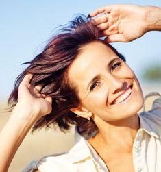 Toe aan iets spannenders? Ontdek onze haarverf 5.5 mahonie bruin. Een prachtige kleur die helemaal hot is deze winter. 🤩