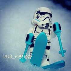 Whoooaaaa #legostarwars #lego #legostormtrooper #legostormtroopers #legoskiing #skiing #downhillskiing #bouttofall #darkside #darksideolympics #stormtrooper #stormtrooperskiing #funinthesnow #snow Imperial Dreams, Lego Winter, Lego Stormtrooper, Mega Blocks, Miniature Photography, Lego Figures, Storm Troopers, Winter Photos, Lego Creations
