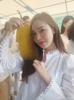 Jessica & Krystal, Jessica Jung, Exo Red Velvet, Ex Girl, Ice Princess, Yoona, American Singers, Girls Generation, Flower Girl Dresses
