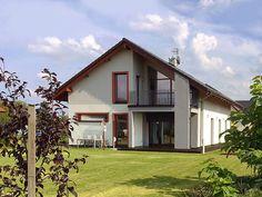 Realizacja nowoczesnego projektu Onyks (203,80 m2). Pełna prezentacja projektu znajduje się na stronie: https://www.domywstylu.pl/projekt-domu-onyks.php. #domywstylu #mtmstyl #projekty #projekt #dom #projektydomow #architektura #architecture #home #houses #design #onyks #realizacja #budowa