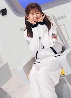 Arin Kpop Girl Groups, Kpop Girls, Arin Oh My Girl, Coat, People, Fashion, Women's, Moda, Sewing Coat