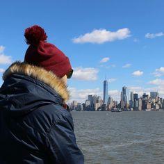 Happy sunday guys!!  Vaya vistas desde Liberty Island  Observar Manhattam tranquilamente y darte cuenta que de verdad estás en Nueva York! Vamos a volver no sabemos cuando pero esperamos que pronto Por cierto no pudimos viajar mejor asegurados que con @iatiseguros la tranquilidad de viajar asegurados es un plus para disfrutar mejor de tu viaje   #viajar #viajes #travelcommunity #turismo #blog #blogger #blogdelosyuyis #blogdeviajes #igtravel #travel #traveling #traveladdict #igers #igersspain…