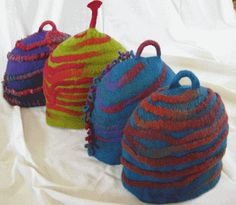suzcosies A site with lots of lovely tea cosies, coffee cosies and cozy hats.