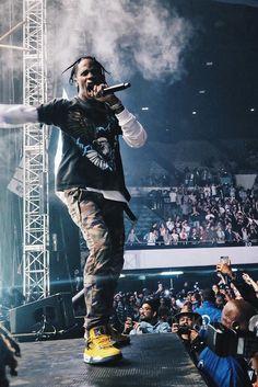 Travis Scott wearing  Maharishi Travis Year of the Cowboy Pants , Fan Merchandise Landing Eagle Tee, Nike Air Jordan 4 Retro LS Lightning Travis Scott Fashion, Rap Wallpaper, Jordan 4, Music Artists, Rapper, Asap Mob, Hip Hop, Cactus Jack, Tees
