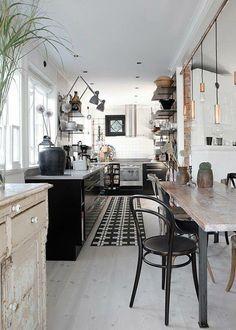 inspiration - cuisine étroite et table à manger.