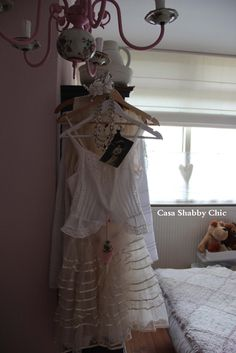 Shabby Chic With Love - Shabby Chic Home.: Details, to brighten up an autumn day without sunshine.