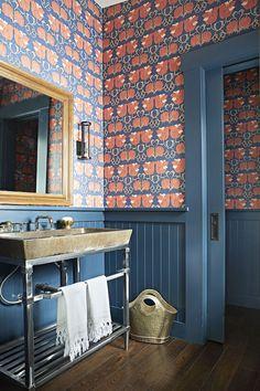 Um refugio no Lago Tahoe Bathroom Gallery, Bathroom Photos, Bathroom Wallpaper, Print Wallpaper, Wallpaper Ideas, Bathroom Ideas, Best Bathroom Designs, Bathroom Interior Design, Elle Decor
