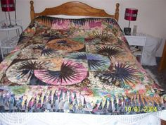 Japanese Fan ~ Quiltworx.com   Made by Eleanor Smith  Torrox, Spain  There was a picture of this quilt in Patchwork Asociation Espanola magazine for December 2010.
