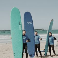 Feeling blue? Grab your friends, rent some boards and have a good time! 🔷🔹🔷🔹 Rent a board online today! 🏄 #BoardRentals #HopOnABoard #FridayFunday San Diego Surfing, School Equipment, Surfing Tips, Learn To Surf, Fun Things, Surfboard, Boards, California