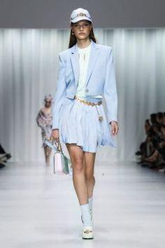 Versace Ready To Wear Spring Summer 2018 Milan Runway Fashion, Fashion News, Fashion Show, Alberta Ferretti, Spring Summer 2018, Viera, Live Fashion, Versace, Milan