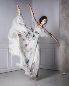 Ira Yakovleva Shows Haunting Beauty of Ballet Through Ballerina's Eyes #inspiration #photography