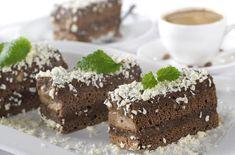 On adore cette appétissante recette de gâteau au chocolat et à la noix de coco, sans gluten, sans lactose et sans œufs Cake Coco, Cake Recipes, Vegan Recipes, Gateaux Cake, Vegan Kitchen, Vegan Cake, Lactose, Sans Gluten, Vegan Gluten Free