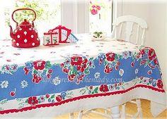 teapot, vintag tablecloth, vintag kitchen, vintage tablecloths