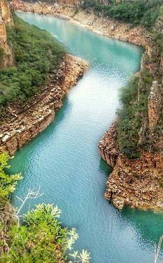 Capitólio Canyon - Minas Gerais - Brasil http://www.southamericaperutours.com/southamerica/12-days-rio-de-janeiro-wonder-iguazu-machupicchu.html