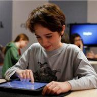 Una scuola media di Orvieto sperimenta tecnologie innovative per la didattica digitale. Con trenta iPad messi a disposizione grazie ad un accordo tra Vetrya e 3 Italia.