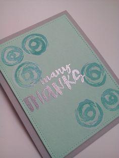 Tarjeta many thanks usando sello de simon says stamps y embossing plateado