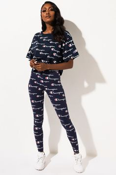 Champion Script Logo Spandex High Waist Legging in Multi Scale Navy Twin Outfits, Teenager Outfits, Outfits For Teens, Girl Outfits, Fashion Outfits, Leggings And Heels, Black Leggings Outfit, Tribal Leggings, Legging Outfits