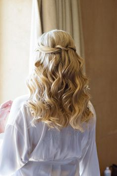 Long waves: http://www.stylemepretty.com/california-weddings/sonoma/2015/05/18/romantic-sonoma-wine-country-wedding/ | Photography: Vero Suh - http://verosuh.com/