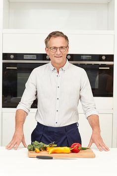 Food: Dr Michael Mosley reveals all-new recipes for the easiest ever diet 5 2 Diet Recipes 500 Calories, 800 Calorie Diet, Michael Mosley, Big Mac, Atkins, 5 2 Diet Plan, Diet Plans, Cure Diabetes Naturally, Detox Soup