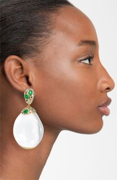 "Super trendy right now! I'm seeing these ""Kendra Scott"" drop earrings everywhere. They come in all different colors. Bar Stud Earrings, Pearl Drop Earrings, Chandelier Earrings, Statement Earrings, Diamond Earrings, Diamond Stud, Fringe Earrings, Crystal Earrings, Cluster Earrings"