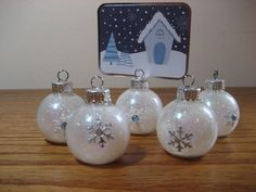 picture of snowflake ornament place card holder