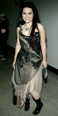 evanescence, amy lee--loved that dress love her style!