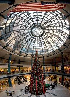 The Shops at Liberty Place in Center City, Philadelphia (Photo by J. Smith for Visit Philadelphia)
