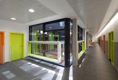 Escuela del Liceo Francés Saint Exupéry / Flint Archicture