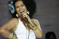 cenas por grama: Na terra do axé, Mariene faz samba